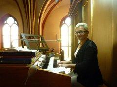 Pani-Monika-Miensopust---organistka-z-pieknym-glosem.jpg