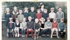1977,-kl-IV--szkola-podstawowa-w-Lubowicach.jpg