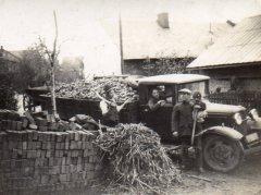październik 1936, na rękach taty Józefa p.Agnieszka Wallach